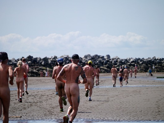 Wreck beach bare buns run 2015-4