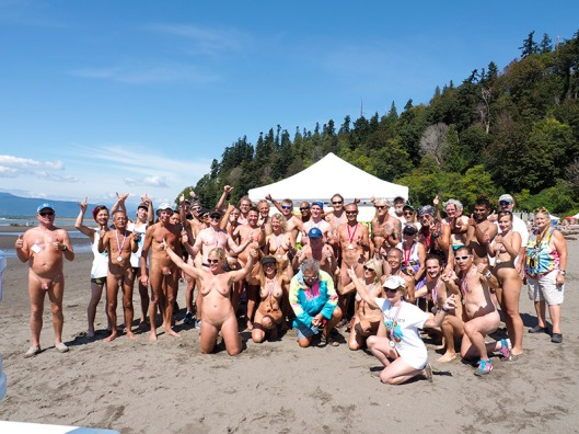 Wreck Beach Bare Buns Run 2015 group shot!