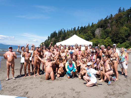 Wreck Beach Bare Buns Run 2015 group shot!